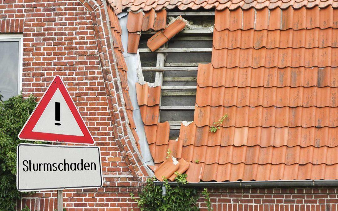 Sanierung und Reparatur bei Sturmschäden